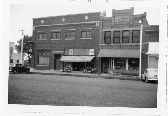 Iroquois - Farmers and Merchants Bank